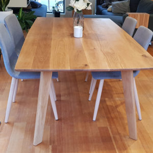 Beautiful Oak Dining Image