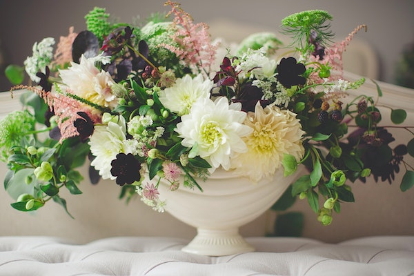 A Complete Guide to Sending Sympathy Flowers