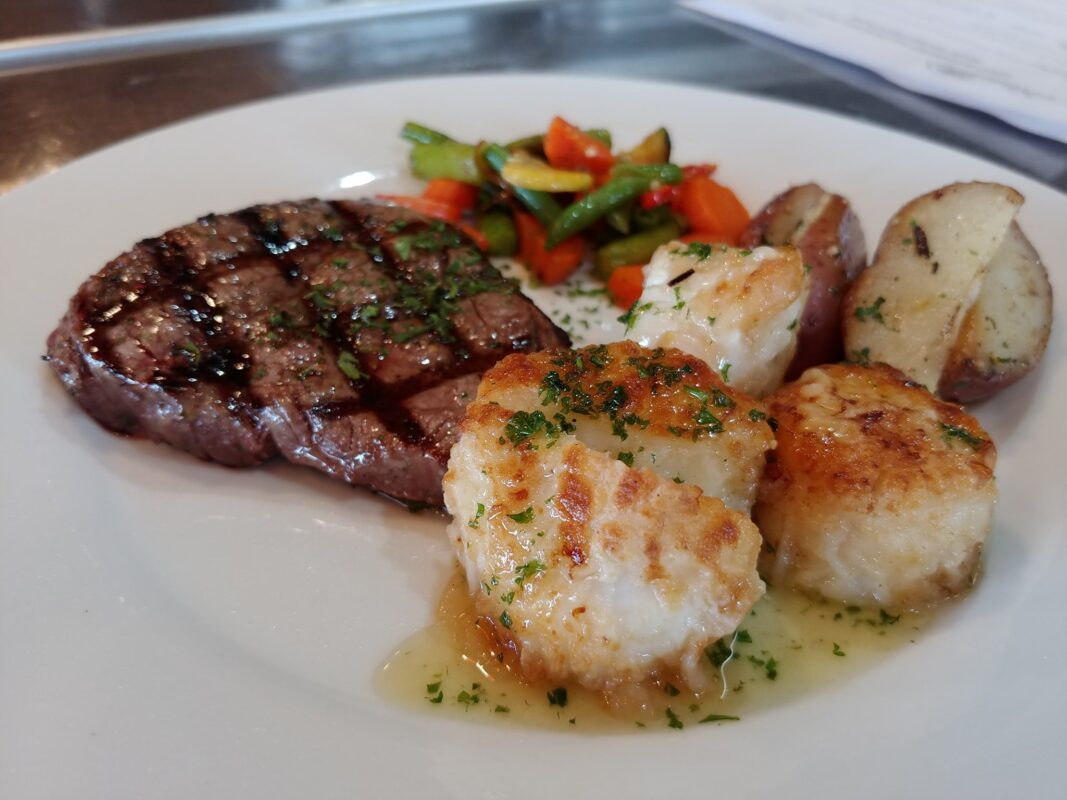 Entree Plate Dine with Us