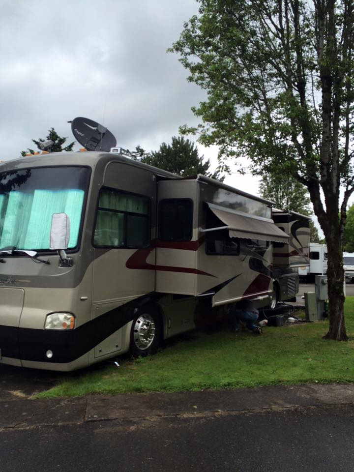 Joe In action fixing this Diesel pusher motorhome in a Rv park in Vancouver Washington.