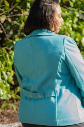 Back Triangle and Belt Details Vogue 1467