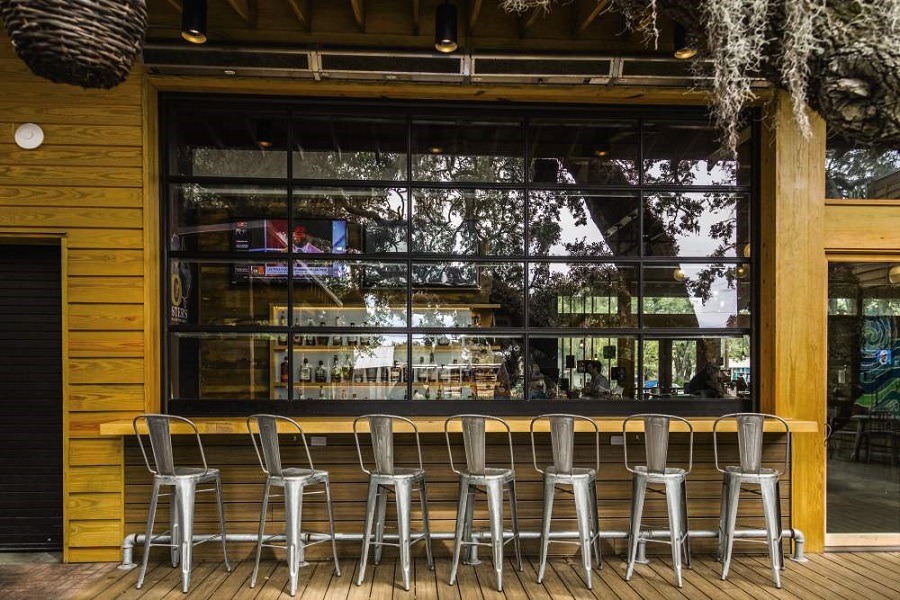 Our Favorite Uses For Glass Doors On Restaurants