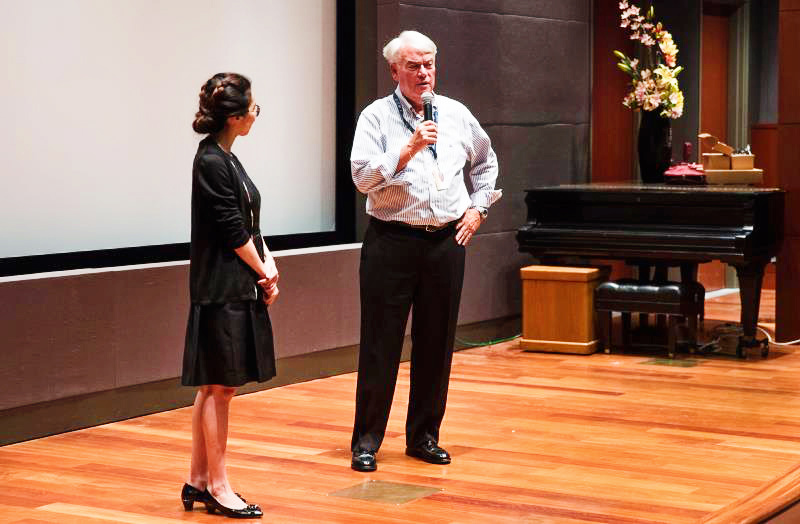 Susie L. Shu, SINOUS CEO, and Dr. Peter Keller, Bowers Museum President