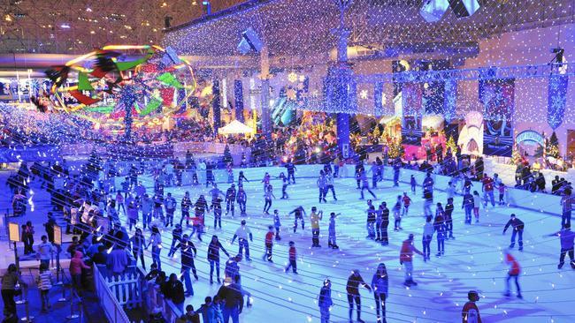 ct-ctfl-01-winterwonderfest-navypier-jk-15things-20151230