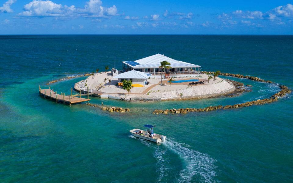 استأجر جزيرة خاصة قرب سواحل فلوريدا بتكلفة 50$ للشخص الواحد فقط