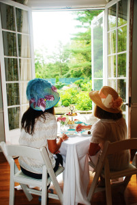 Afternoon tea at the DCA, Allie & Marianne looking to the FG