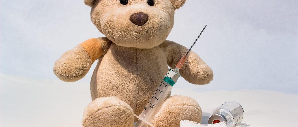 Vacinação infantil no Canadá: Como funciona e porque é tão importante seguir o cronograma da sua província