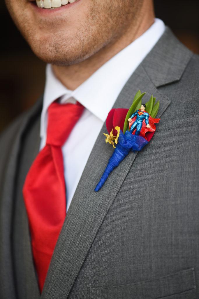 Superman boutonniere
