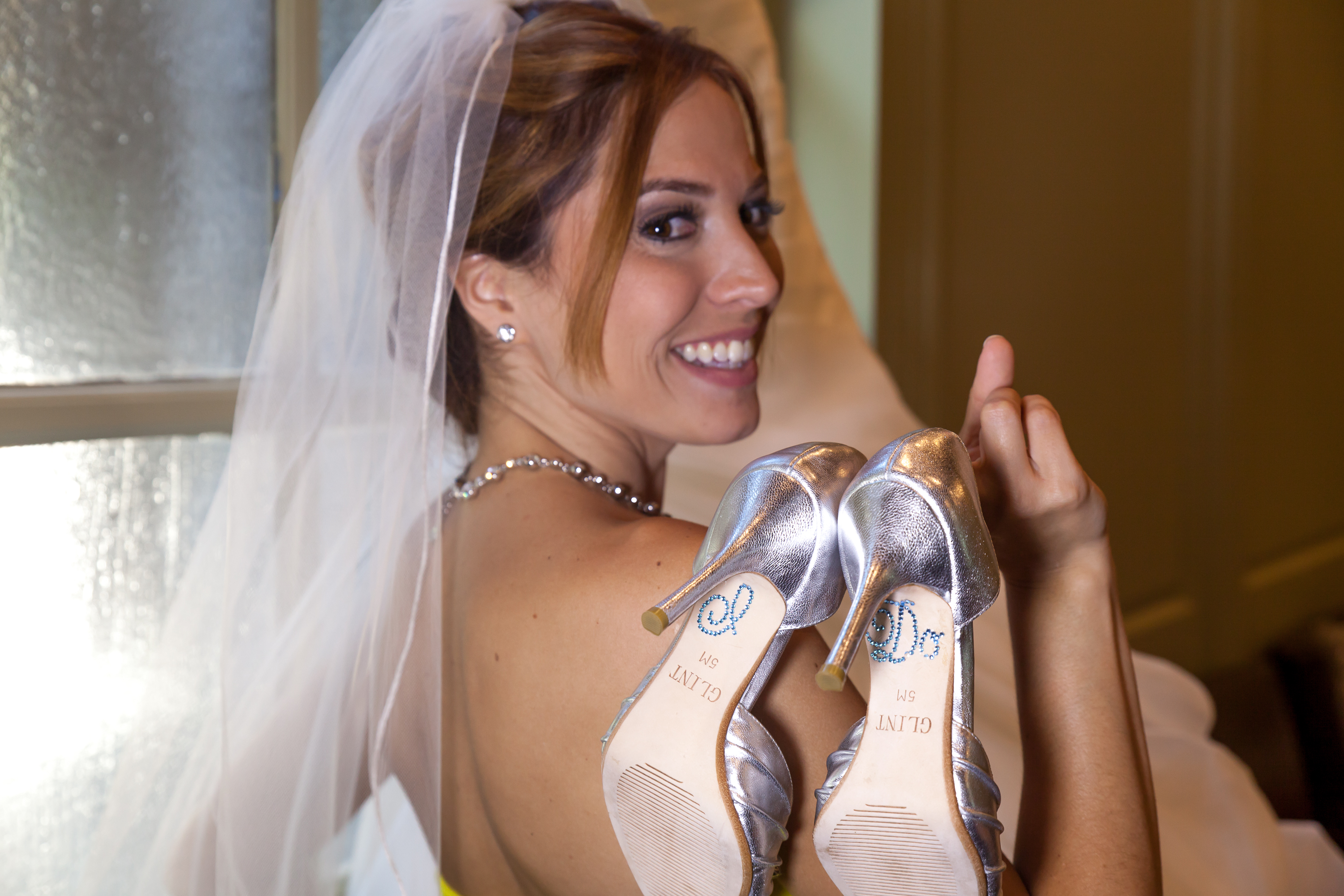 Can your Zodiac sign predict your wedding shoe style?
