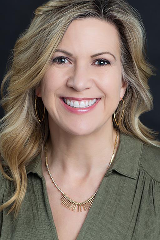 Michelle Golden Headshot
