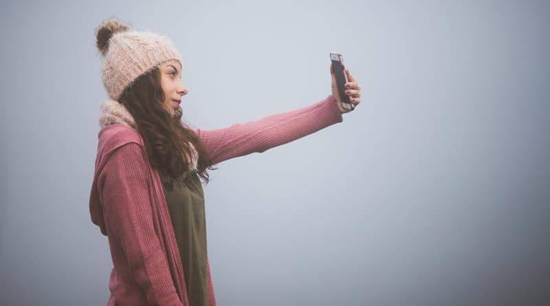 Cover Image - Are Your Selfies A Sign Of Narcissism?