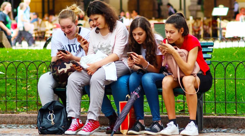 PositiviTeens®: Parenting Teens In The Digital Age