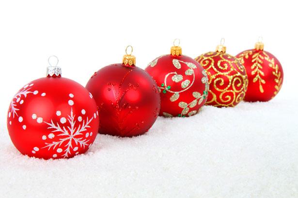 5 christmas balls