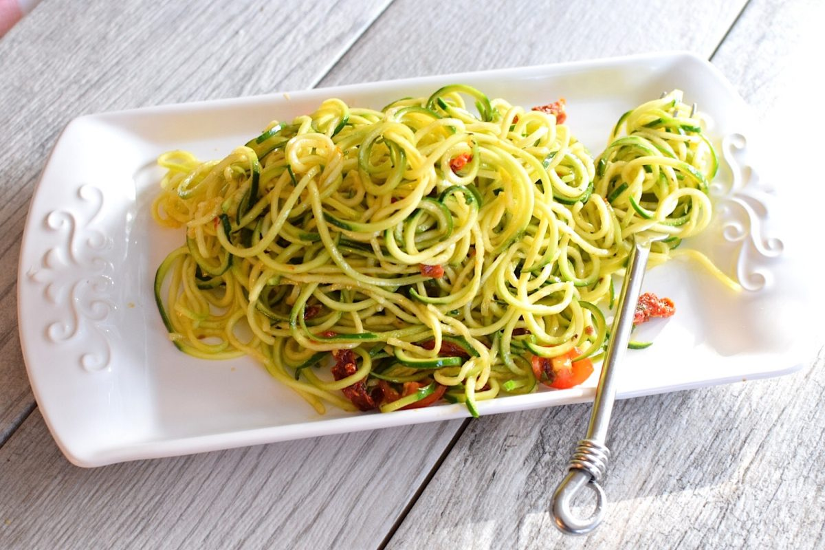 Zucchini Noodle Salad for a Candida Diet