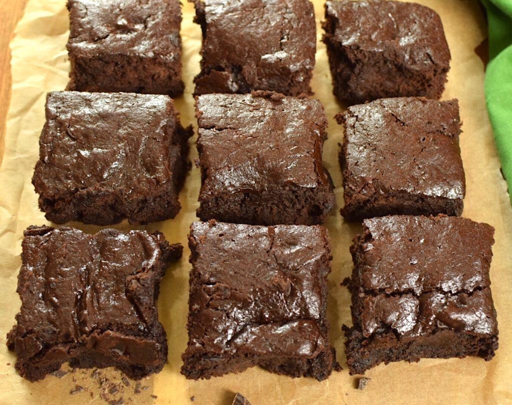 gluten free fudgy brownies - refined sugar free