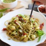 Healthy vegan pesto pasta