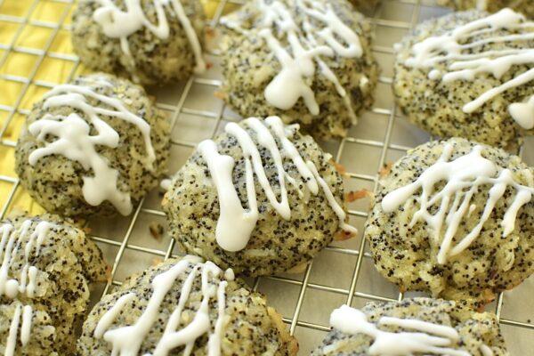 Grain Free Lemon Poppyseed Cookies