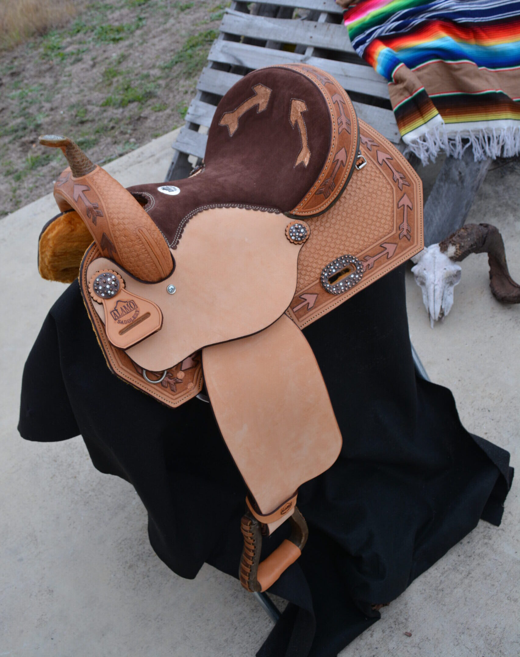 Arrow Barrel Saddle