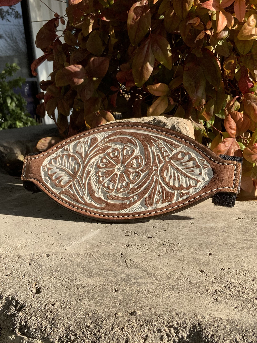 4310-IRO Bronc nose rough out chocolate leather