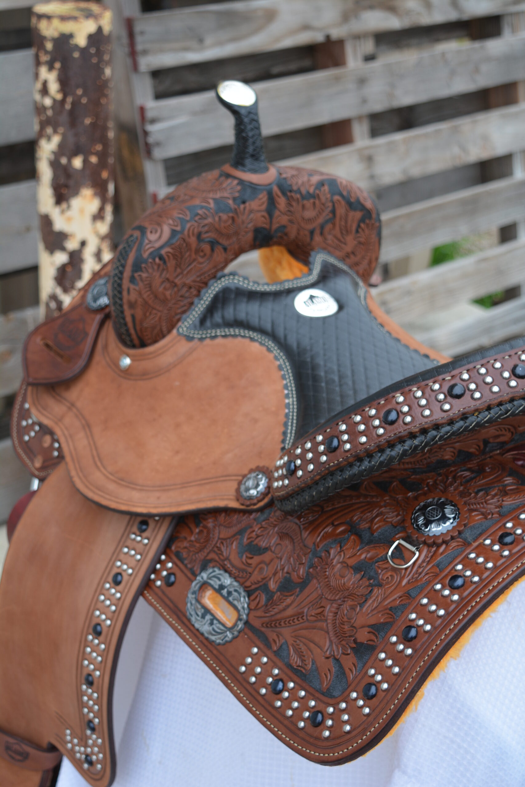 1517 BARREL SADDLE