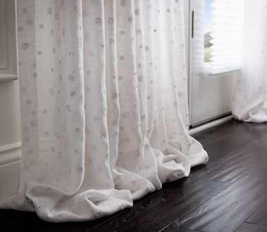 Graber Artisan Drapery is constructed from an exclusive collection of sophisticated fabrics, and filled with elegant details to ensure that your drapes hang beautifully.