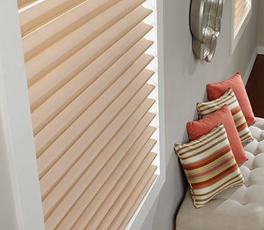 By melding gorgeous fabrics and state-of-the-art construction with versatile functionality, Overture Sheer Shades give a virtuoso performance.