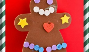 Nothing gets your child into the spirit of making Christmas crafts for kids quite like the first snowfall of the season. My daughter made this Christmas Crafts for Kids on our first snowfall: a Foam Gingerbread Ornaments