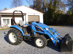 New Holland Tractor SOLD for $13,100