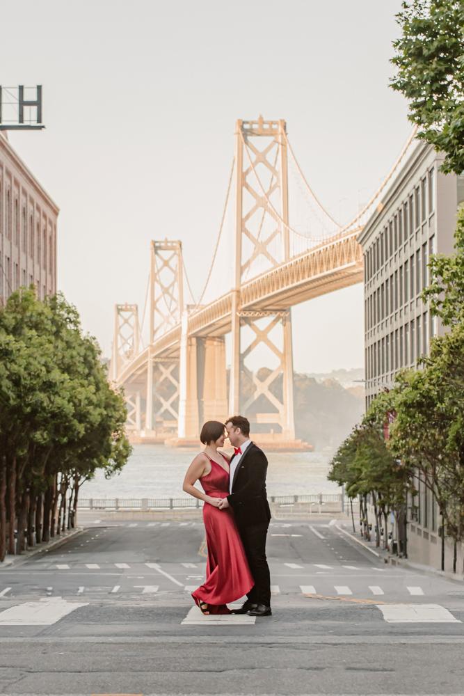 bay-bridge-engagement-photo