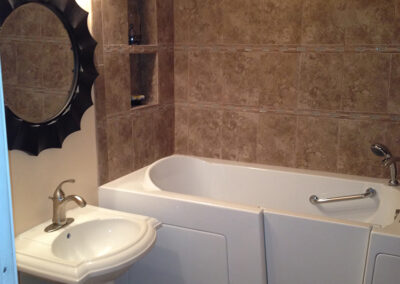 Handicap Accessible Tub