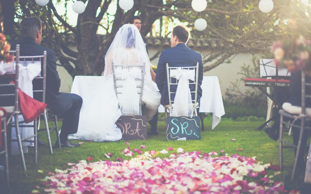 Best Wedding Aisle Runner Ideas for 2020: Pick The Perfect Material