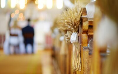 26 Simple Church Wedding Decorations & Ideas For 2020