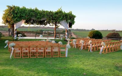 10 Cheap Outdoor Wedding Decoration Ideas on a Budget