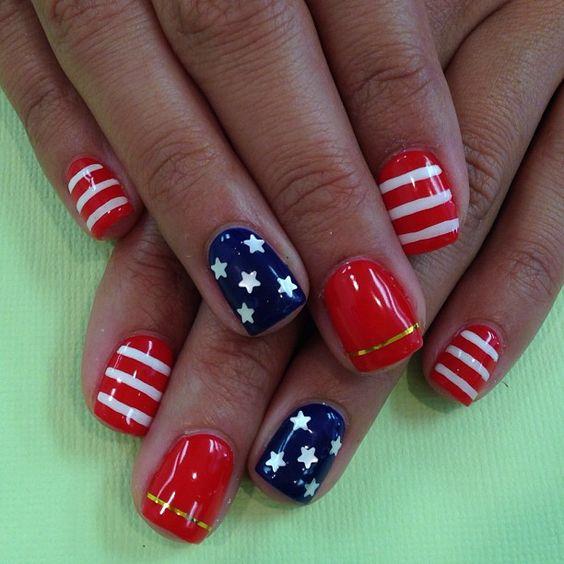 manicura patriota para el 4th of july