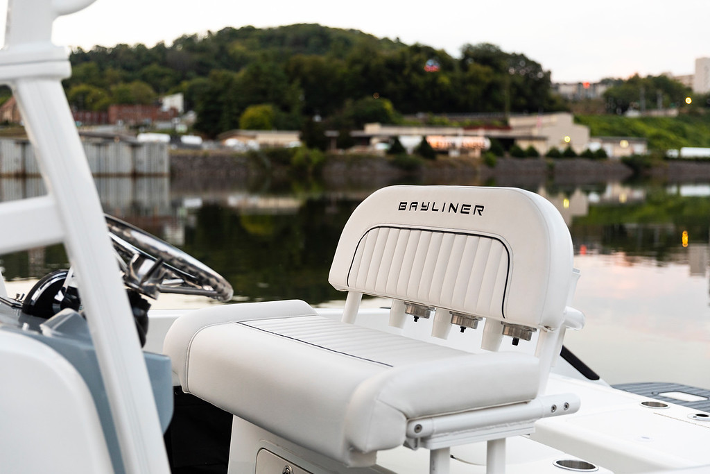 Bayliner Trophy Series Center Console 2