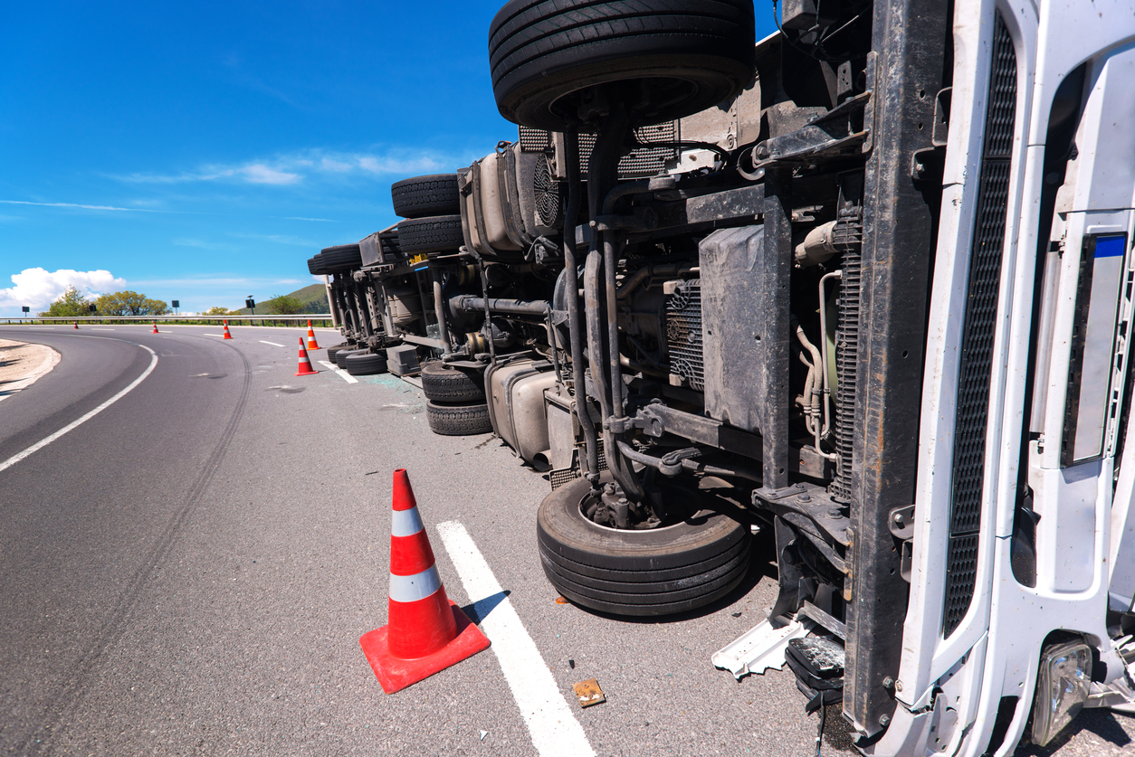 Who is at fault for a commercial truck accident in Iowa that occurred when inclement weather was present?