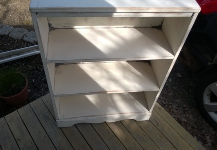 Girl Cave Small Bookcase – Part 2