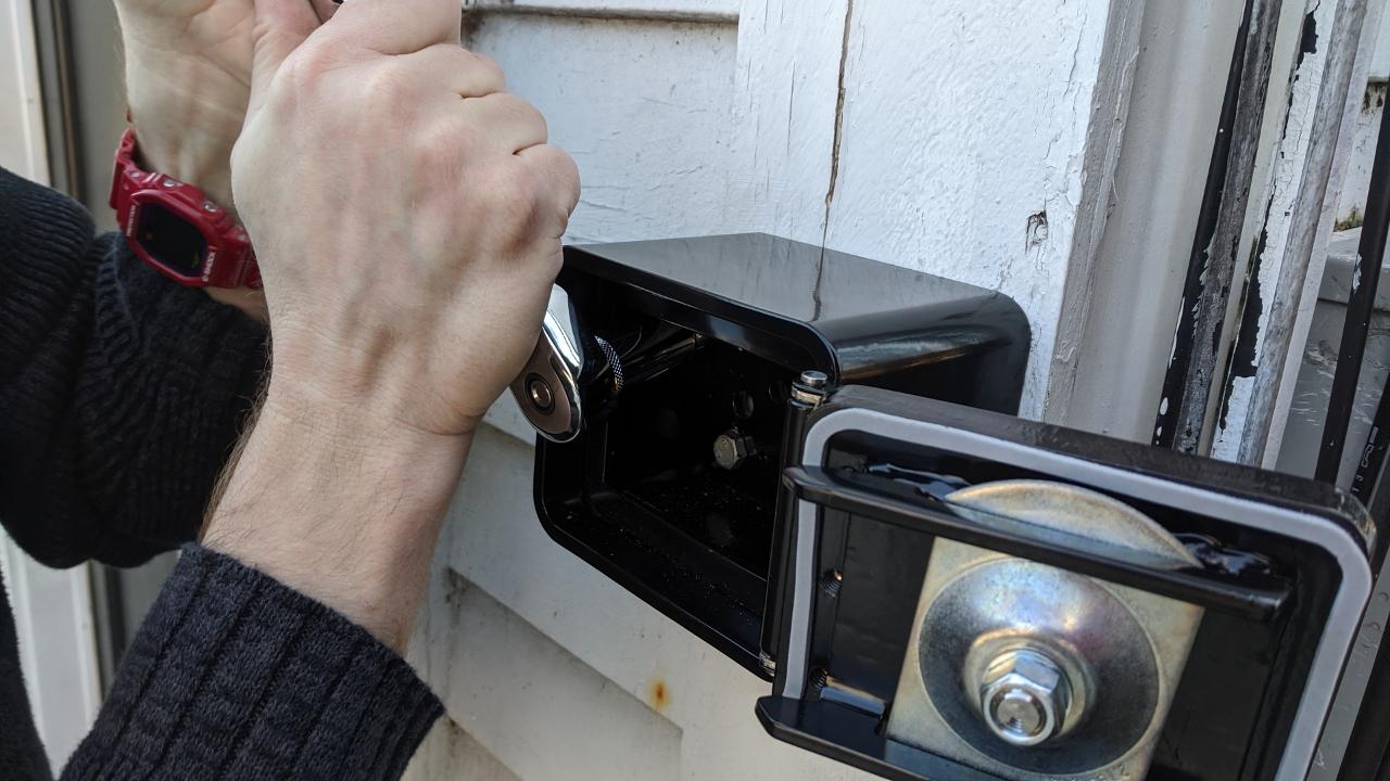 Installing a KnoxBox First-Responder Key Box