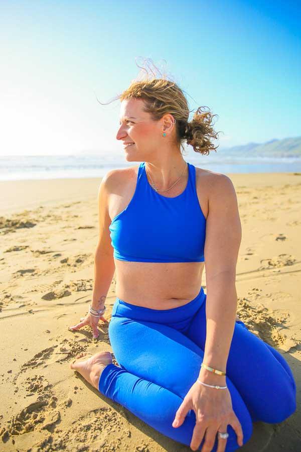 Niccola-Yoga-Asana-onthe-beach_2019-1
