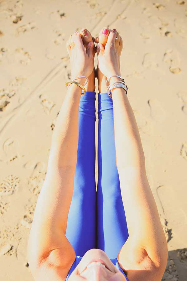 Niccola-Yoga-Asana-onthe-beach_2019-6