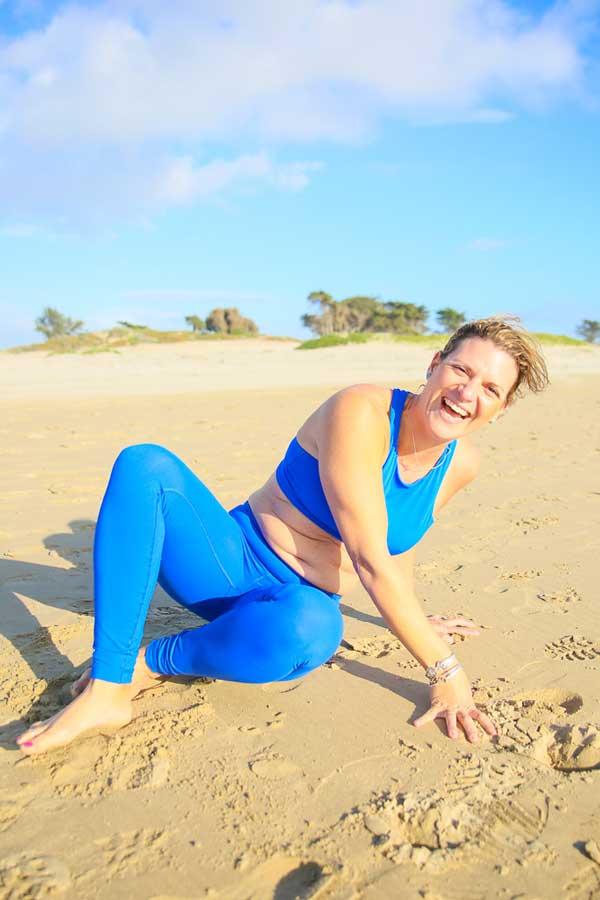 Niccola-Yoga-Asana-onthe-beach_2019-7