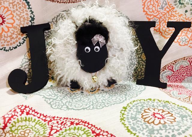"Make Your Own Sheep Letter ""O"" for Home Decor Tutorial | Shepherd Like A Girl"