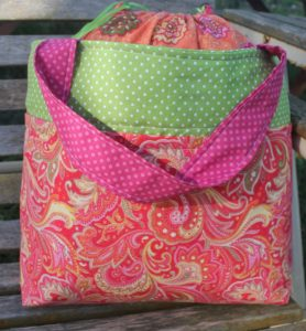 DIY Sheep Crafts | How to Choose the Perfect Project Bag with Debi Roberts | Shepherd Like A Girl