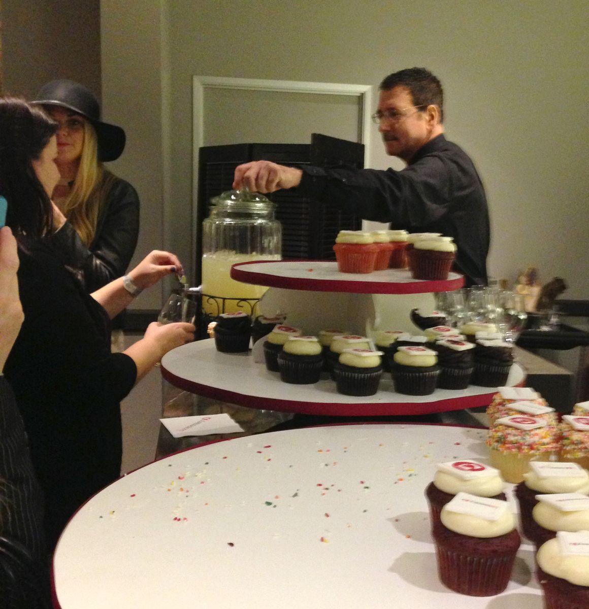 cupcakes, lemonade, luvocracy, ifabbo, ifabbo san francisco, ifabbosfcon