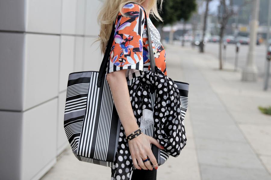fashionable tote