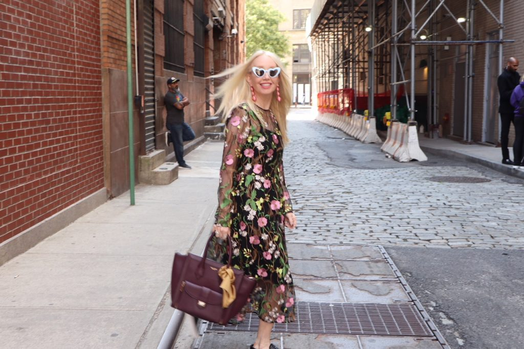 h&m floral dress, sheer floral embroidery dress H&M, H&M holiday fashions, currently crushing