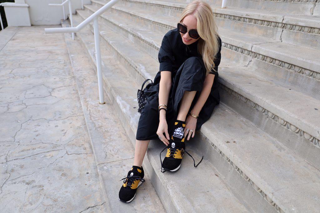 currently crushing, zara black dress, 10 January sneakers, valentino sunglasses, sunglass hut
