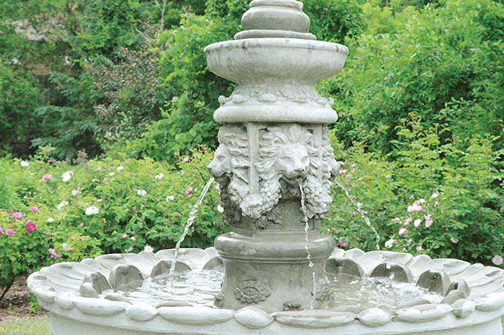 Inspired by the traditional Old English rose garden styles, fountains and statues complement the overall aesthetics.