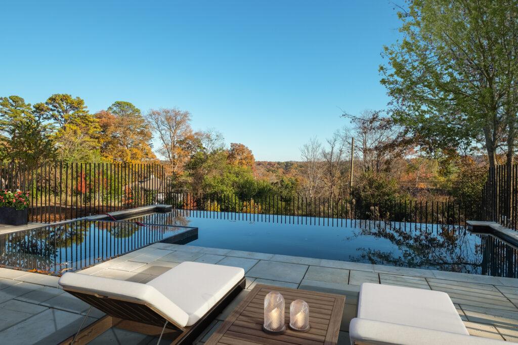 595 Ridgeveiw pool