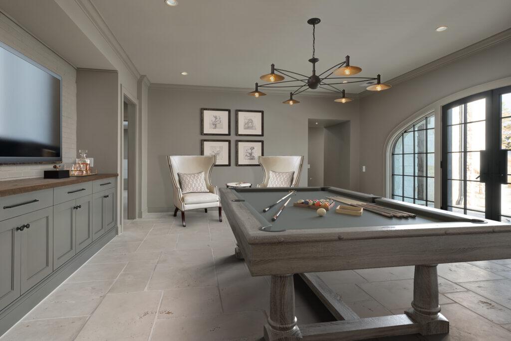 595 Ridgeveiw pool table room